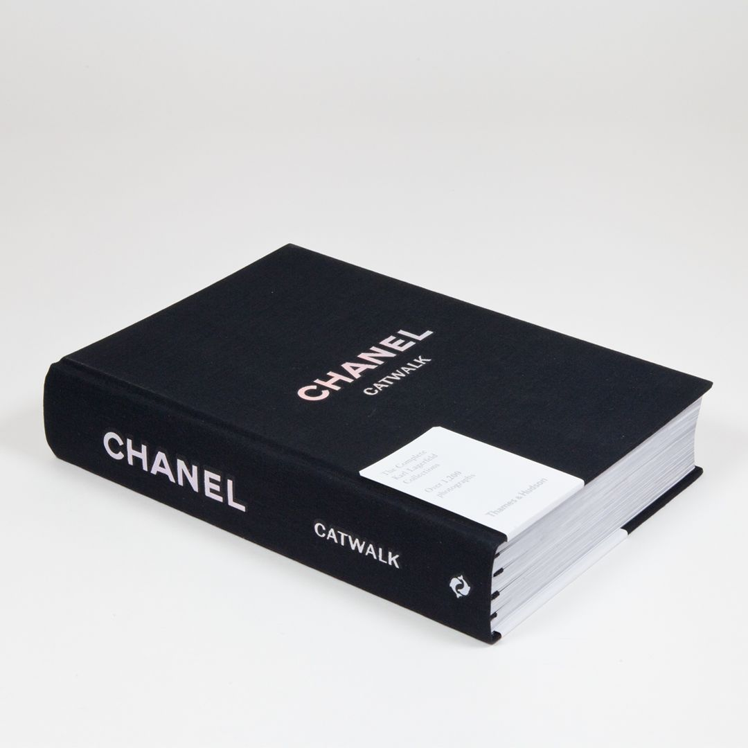 Chanel Catwalk Book - the complete karl lagerfeld collections